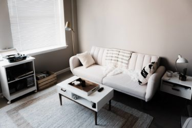 【実際の同棲カップルが解説】同棲に必要な家具リスト【コピーできます】